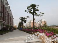 出售欢乐家园一期白坯包税5楼上有6楼 83平方 24平方车库 73万