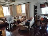 新峰小区5—6复式精装3室2厅2卫115平米126万住宅加车棚