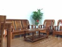 出售海城阳光苑3室2厅2卫142平米155万住宅