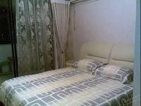 出租东湖苑小区3室2厅2卫130平米2600元/月住宅