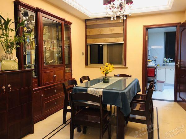 出售绿城百合3室2厅2卫156平米199万住宅